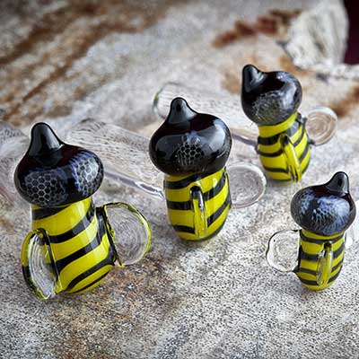 PRE-ORDER Bee pyrex plug