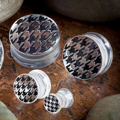 Double Flare Hounds Tooth Plug