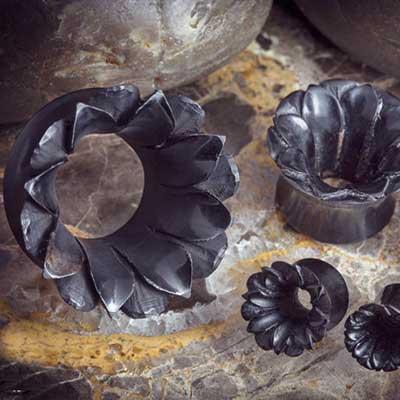 Black horn Irian Jaya eyelets