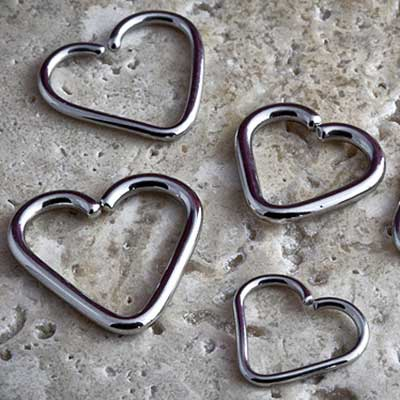 Steel heart shaped seamless ring