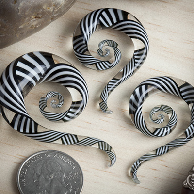 Pyrex Glass Mini Spiral Snakes (Black and White Crisscross)