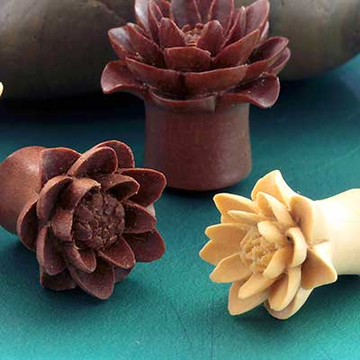 Wood Water Lily Plugs