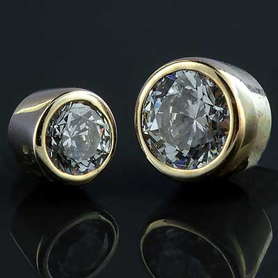 Internally Threaded 18k Yellow Gold Bezel Set Gem End