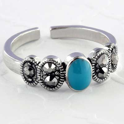 Ornate turquoise toe ring