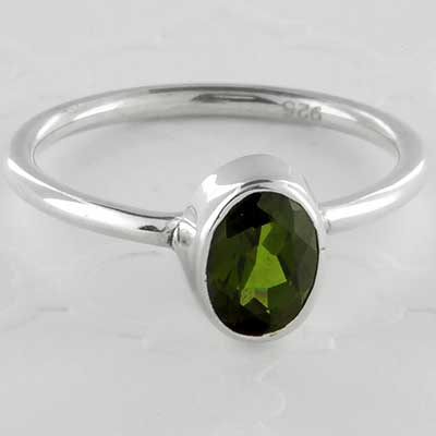 Silver and green chrome diopside ring
