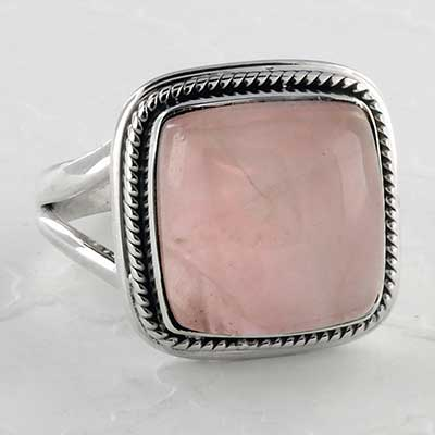 Silver and rose quartz ring
