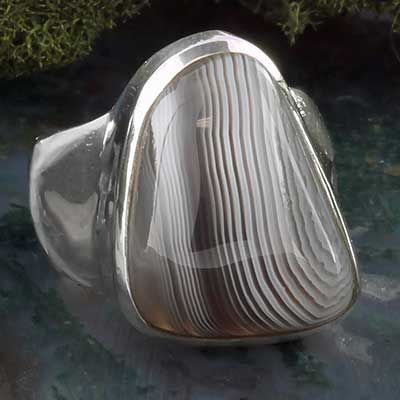 Silver and gray agate ring