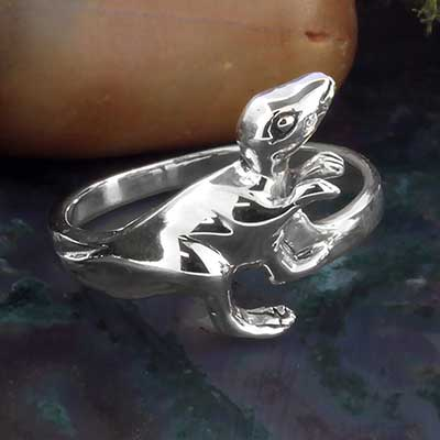 Silver dinosaur ring