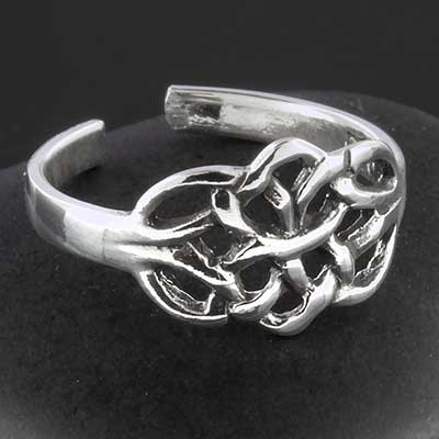 Silver Celtic knot toe ring