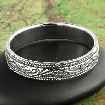 Silver scroll ring
