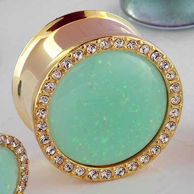 Synthetic mint opal plug