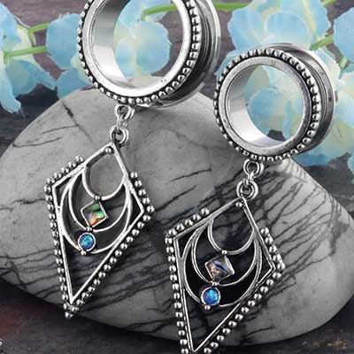 Diamond dangle eyelets with abalone shell