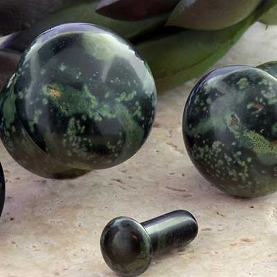 Single Flare Stone and Glass Plug