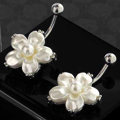 Faux Pearlescent Flower Navel