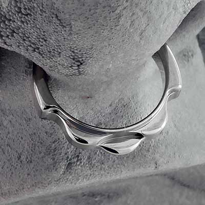 Titanium Ripple Clicker Ring