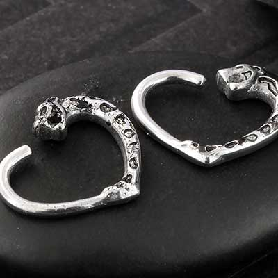 Jaguar Heart Seamless Ring