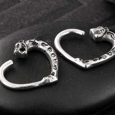 Jaguar Heart Seamless Ring