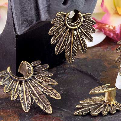 Brass Feathers Saddle Design