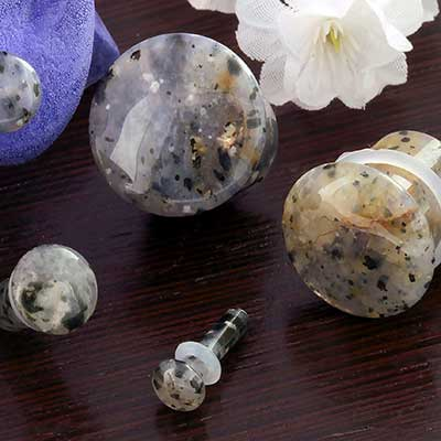 Single Flare Speckled Quartz Plug