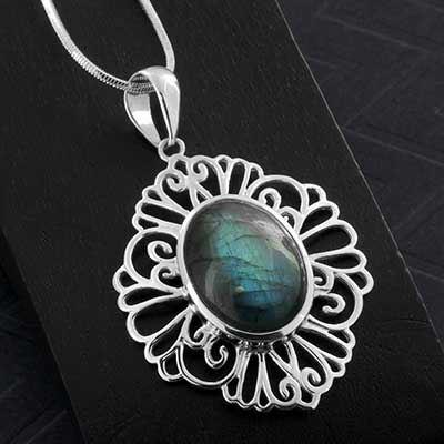 Silver and Labradorite Flourish Necklace