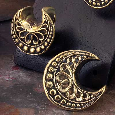 Brass Ornate Crescent Saddle Design
