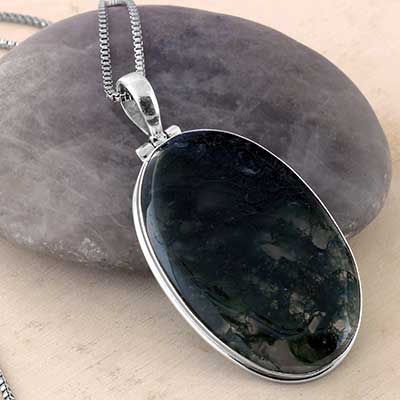 Silver and Moss Agate Pendant Necklace