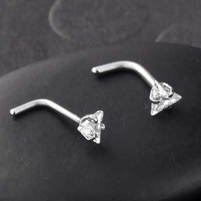 Prong Set Triangle Gem Straight Nosescrew