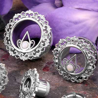 Bloom Eyelets with Synthetic Opal