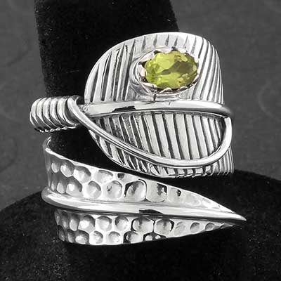 Texturend Silver Leaf with Peridot Ring