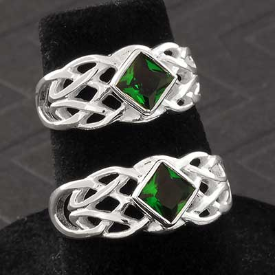Silver and Green Quartz Celtic Ring