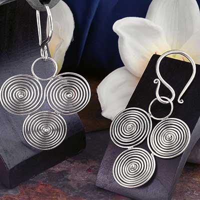Tri-Spiral Hanging Design