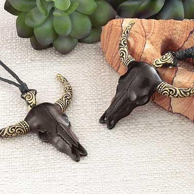 Long Horn Skull Necklace