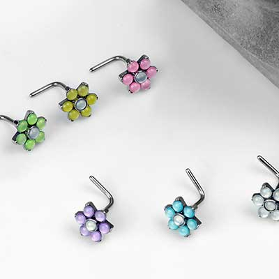 Illuminating Flower Straight Nosescrew