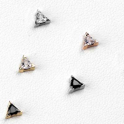 14K Gold Triangle Prong Set Gem Threadless End