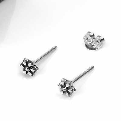 Silver Mandala Daisy Stud Earrings