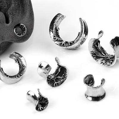 Silver Helm of Awe Saddles